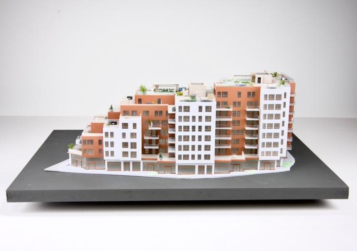 Arkitektmodell i 1:200. Sentergården Lørenskog. Skalpell Modellverksted AS.